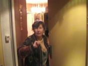 Bonsoir, anne delemotte, perfomance vidéo, 2009, 13min