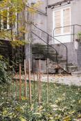 Kama Sokolnicka. Garden sculpture on the grass, wood, steel, 2012