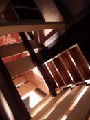 Dominion (détail), 2009, bois et éclairage, 100x100x130cm.